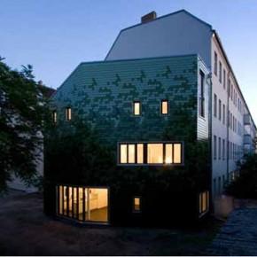Zielona kamienica w Berlinie