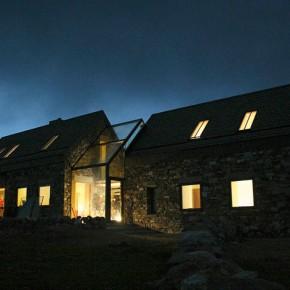 Rozsypany dom z kamienia