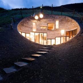 Dom pod ziemią – Villa Vlas w szwajcarskich Alpach