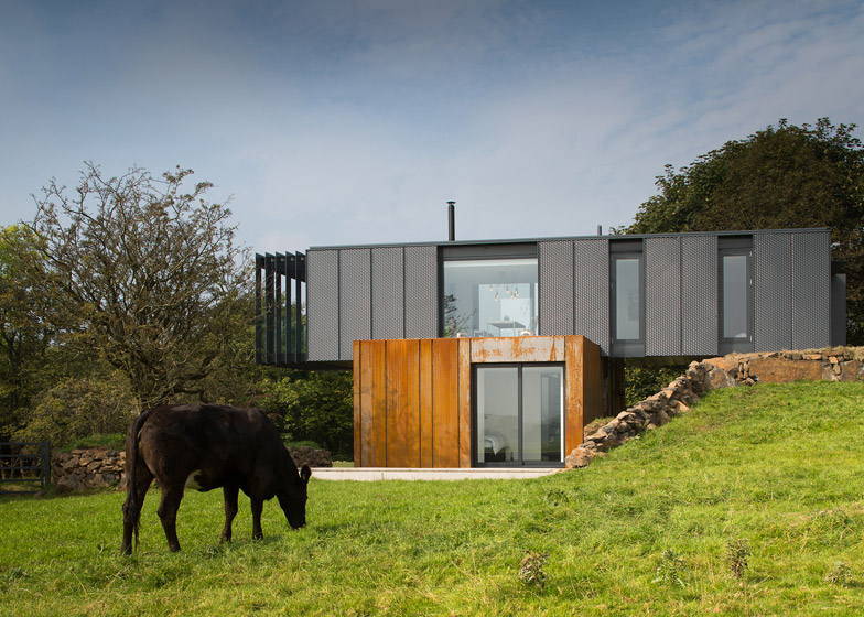 01 Grillagh-Water-House-by-Patrick-Bradley-Architects_784_2