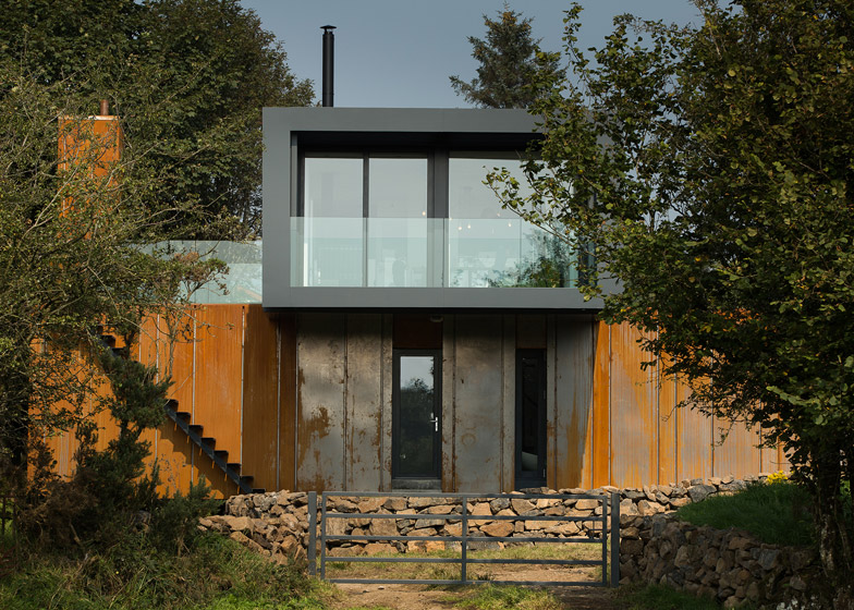 02 Grillagh-Water-House-by-Patrick-Bradley-Architects_784_4