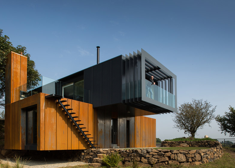 06 Grillagh-Water-House-by-Patrick-Bradley-Architects_dezeen_784_5