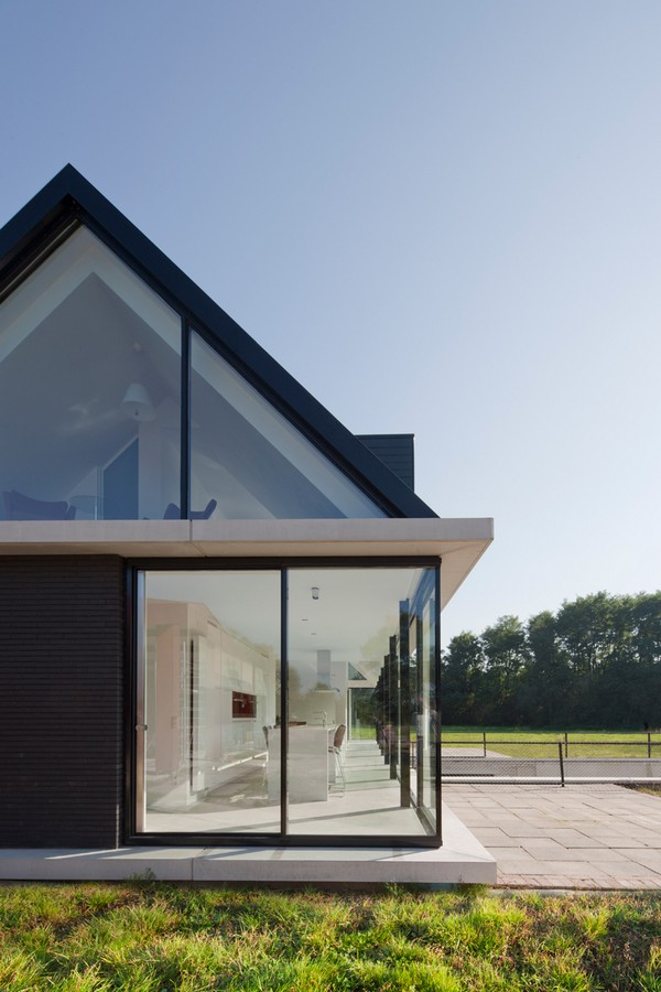 Villa Geldrop / Hofman Dujardin Architect