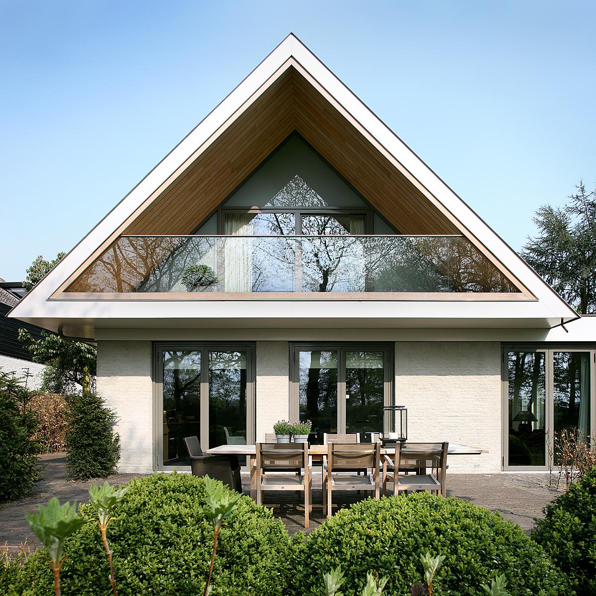 Niezwykła renowacja domu od Oomen Architecten