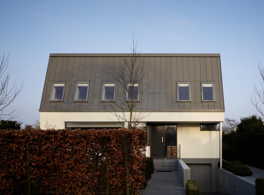 Krzywy dach – dom z niespodzianką ;)