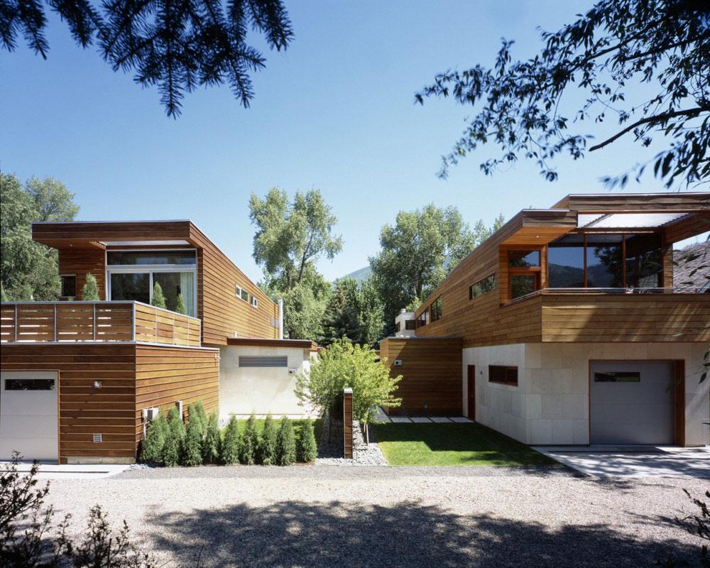 Dwa prawie identyczne domy ;)
