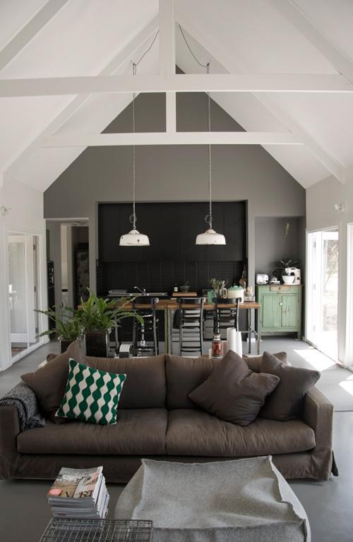 Grey Gardens House – styl retro w odcieniach szarości