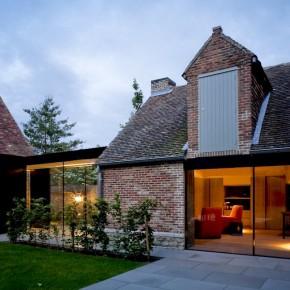 House GL / ARCHITECTSLAB - piękna stodoła, a nawet i dwie ;)
