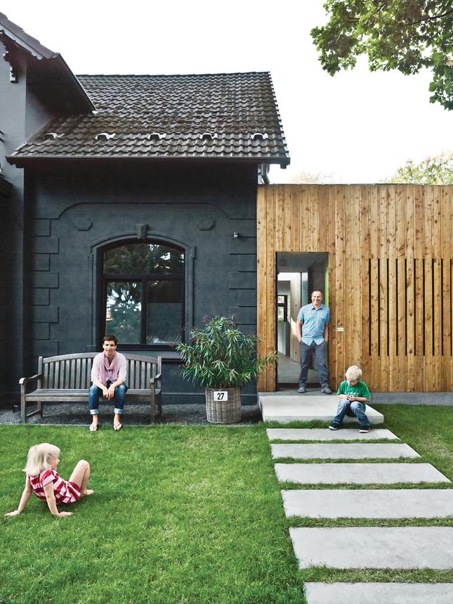 Zupełnie nietypowy dom typowy – The Black Villa / Drewes+Strenge Arkitekten
