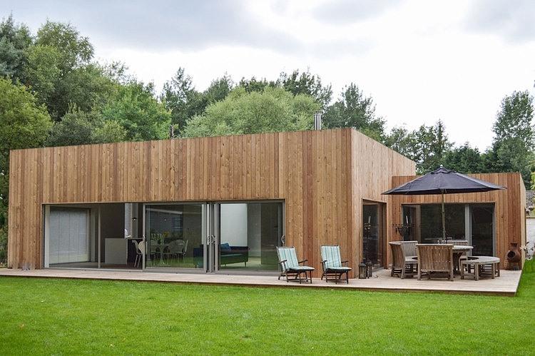 Parterowy drewniany dom / Architecturall