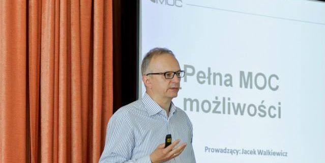 PEŁNA MOC MOŻLIWOŚCI / Jacek Walkiewicz