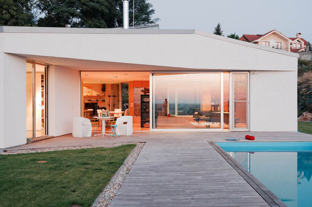 Dom na wzgórzu : JJ house / JRKVC