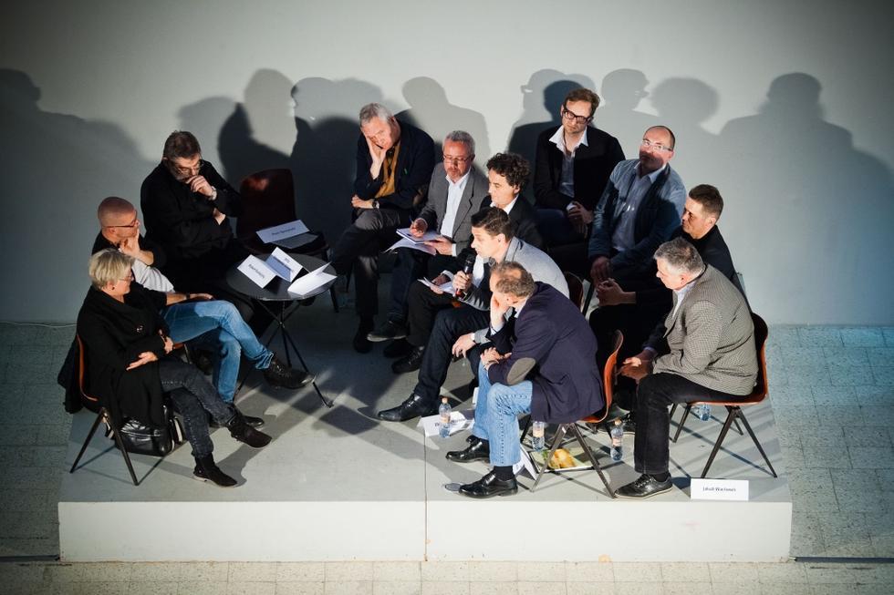 Dyskusja o architekturze: 25 LAT WOLNOŚĆ ARCHITEKTURA ZMIANA [FILM]