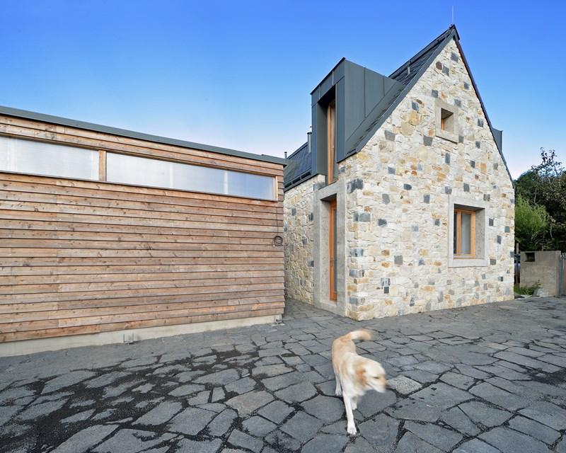 Dom Košťálov – współczesna architektura zagrodowa / 3 + 1architekti