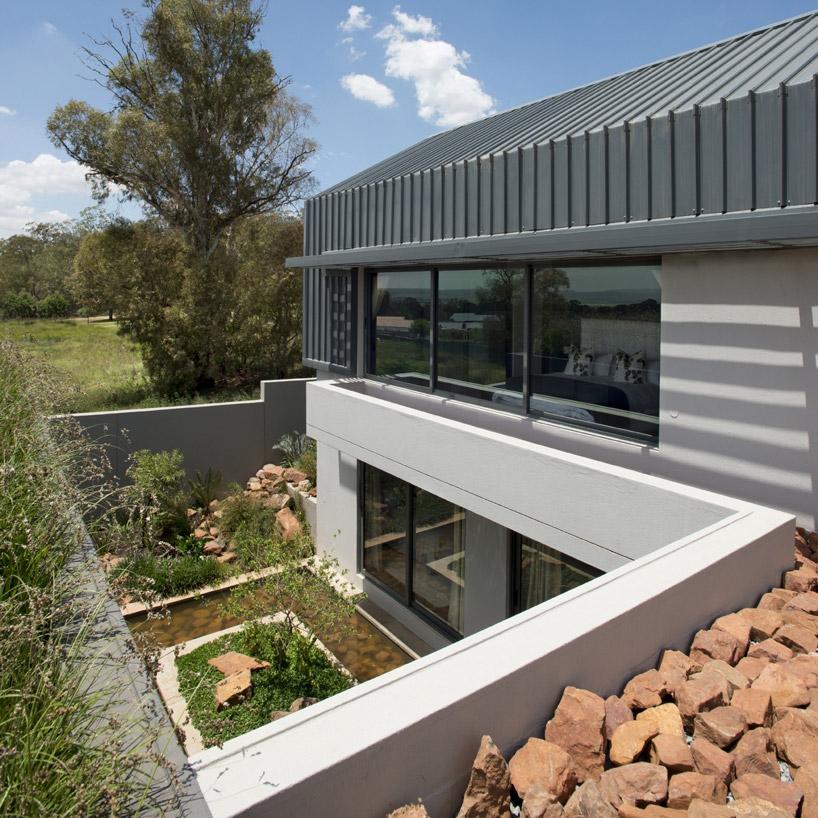 w-design-architecture-studio-light-house-africa-designboom-04