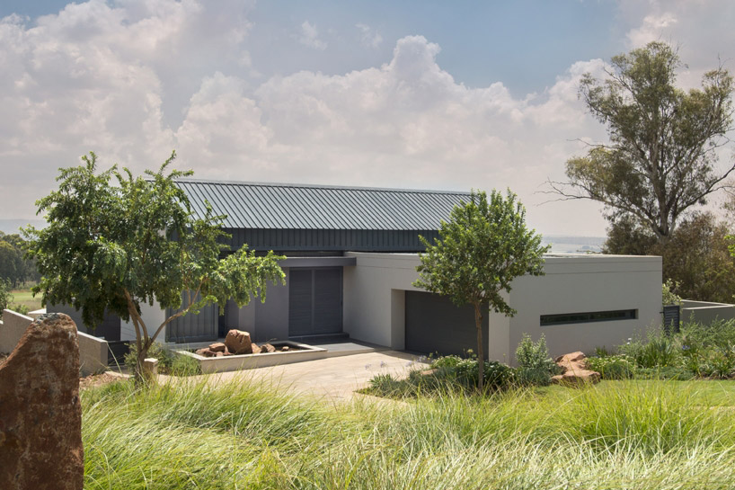 w-design-architecture-studio-light-house-africa-designboom-06