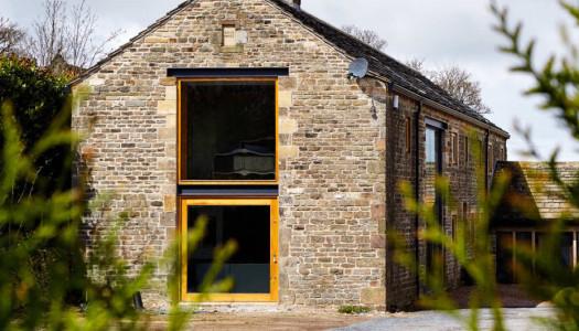 Powrót do przeszłości / Przebudowa kamiennej stodoły / Snook Architects