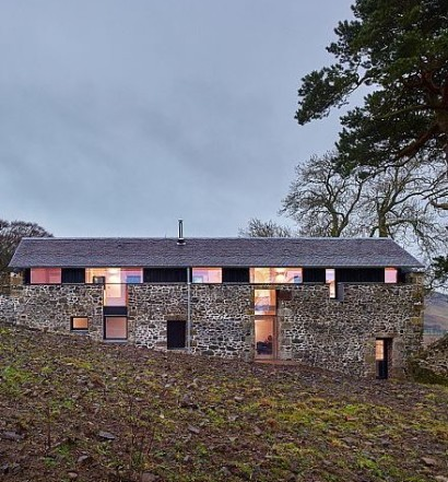 Old-mill-in-UK-turned-into-a-lovely-modern-home