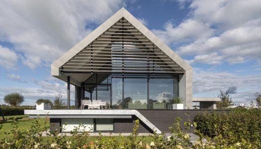 Prawie idealna stodoła / Maas Architecten